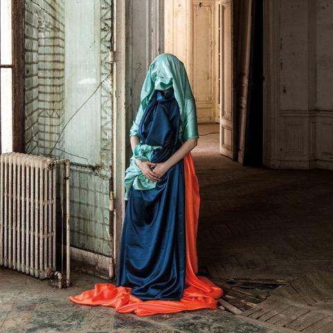 (c) Gala Collette/Sylvain Gripoix