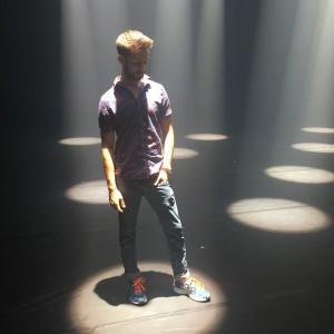 « Que la lumière danse avec les danseurs»