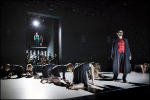 Danseurs, chanteurs, musiciens… une communauté engagée